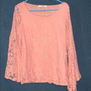 Coral boutique top with wide lace sleeves